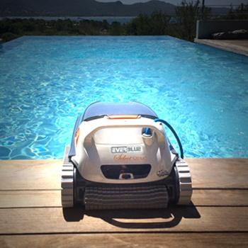 EVERBLUE_Nettoyage piscine a la une