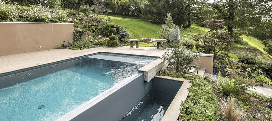 Everblue piscine d bordement boncourt for Piscine everblue